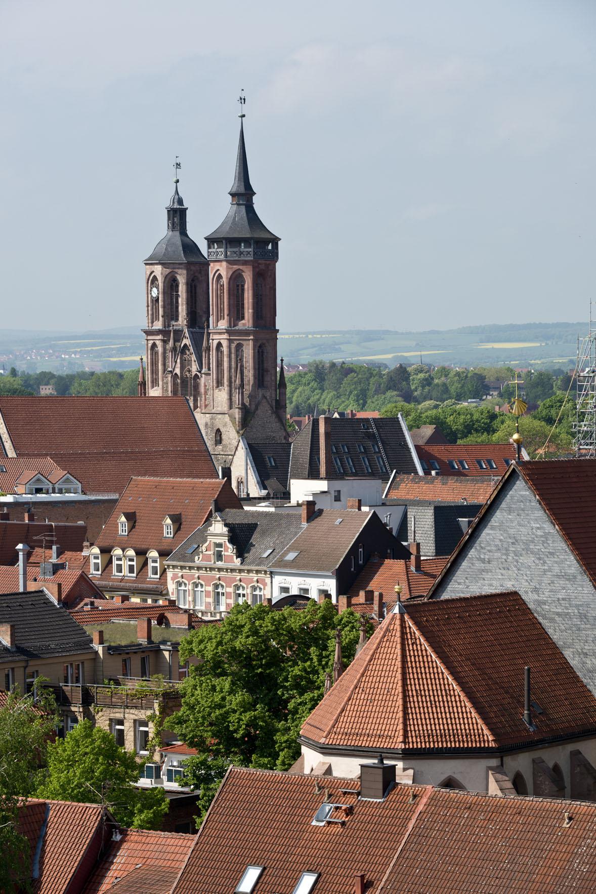 Blick auf die Innenstadt Göttingens / Johanniskirche