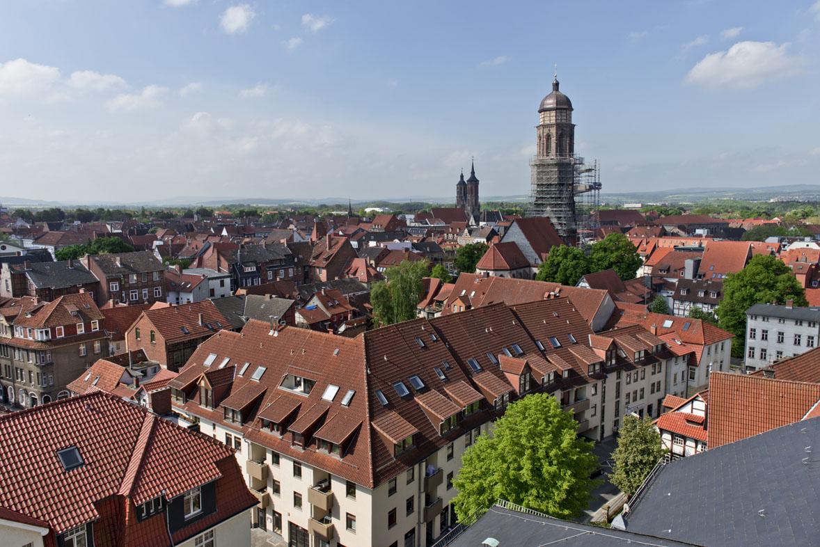 Blick auf die Innenstadt Göttingens / Johanniskirche und Jacobikirche